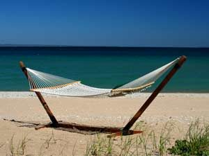 Hammock-on-the-Beach-Waterfront-Rentals