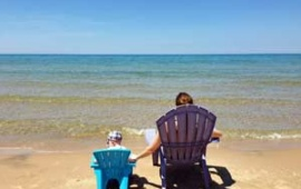 Rent a lakeside vacation rental with your large family group