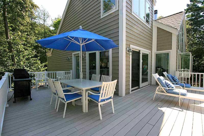 Trillium beach house lake michigan beachfront vacation rental for Cabin rentals mackinaw city