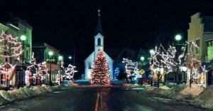 Harbor-Springs-Main-Street-Christmas