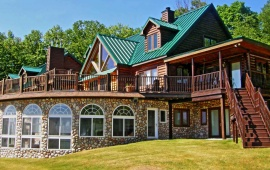 Northern Michigan vacation rentals: Group and large family rentals