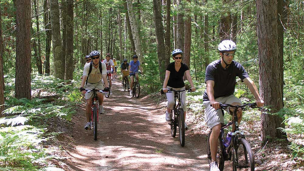 Biking in the Sleeping Bear Dunes National Shoreline (National Park Service/CC BY 2.0)