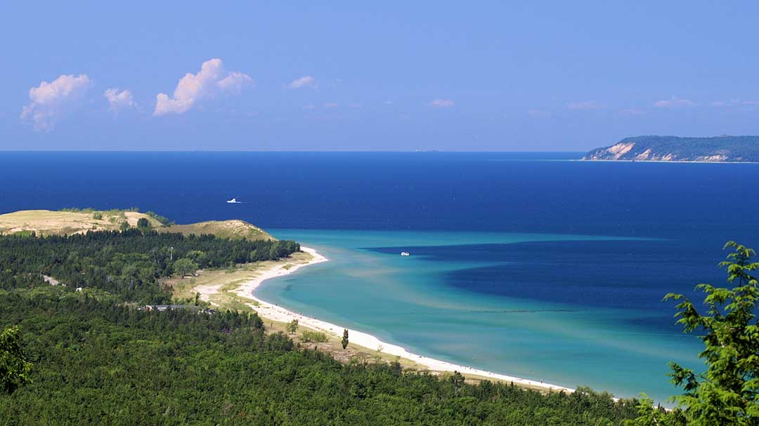Overlooking Glen Haven in the Sleeping Bear Dunes National Lakeshore (National Park Service/CC BY 2.0)