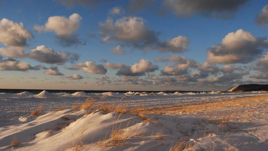 The Sleeping Bear Dunes National Shoreline in winter (National Park Service/CC BY 2.0)